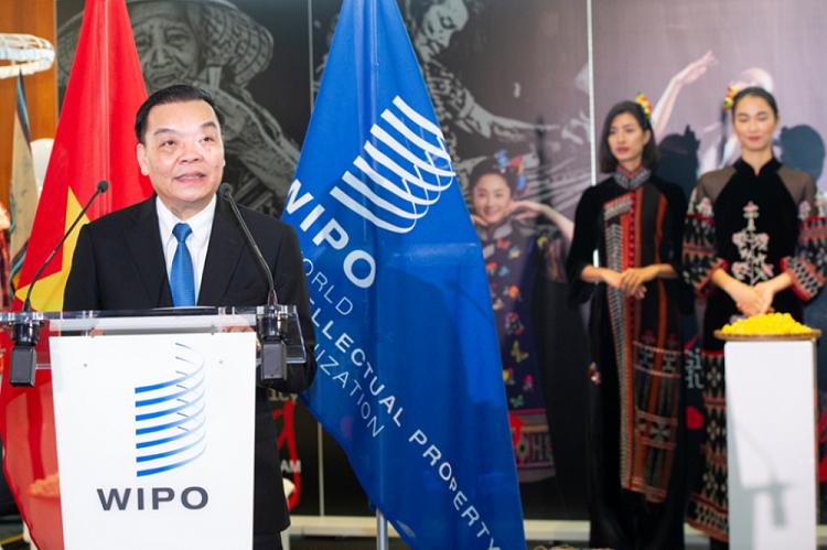 Bộ trưởng Chu Ngọc Anh phát biểu khai mạc Triển lãm Thổ cẩm và Lụa truyền thống Việt Nam bên lề Đại hội đồng WIPO 2019